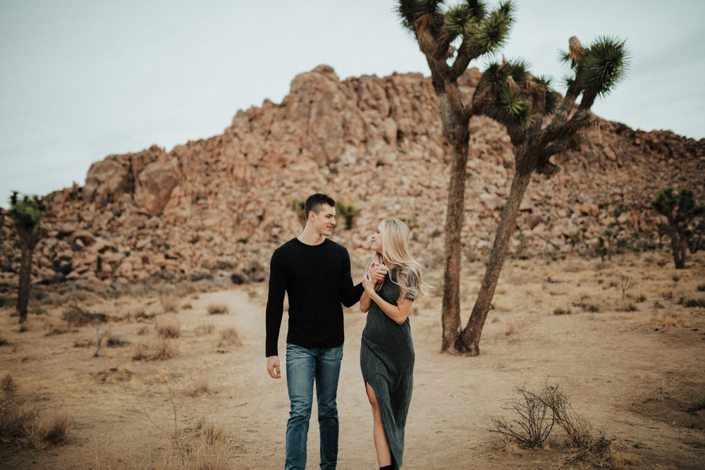 joshua tree engagement photos-29.jpg