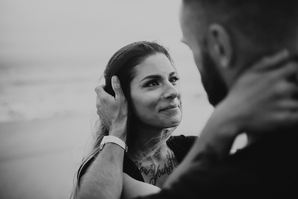 venice beach engagement photos-10.jpg