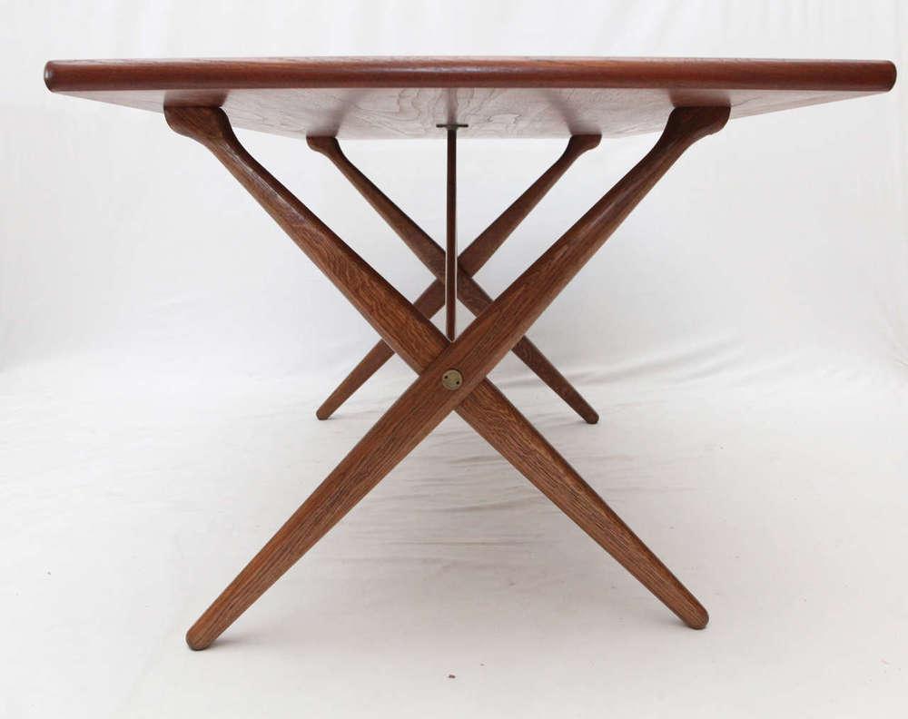 Hans Wegner AT 303 Cross Leg Table