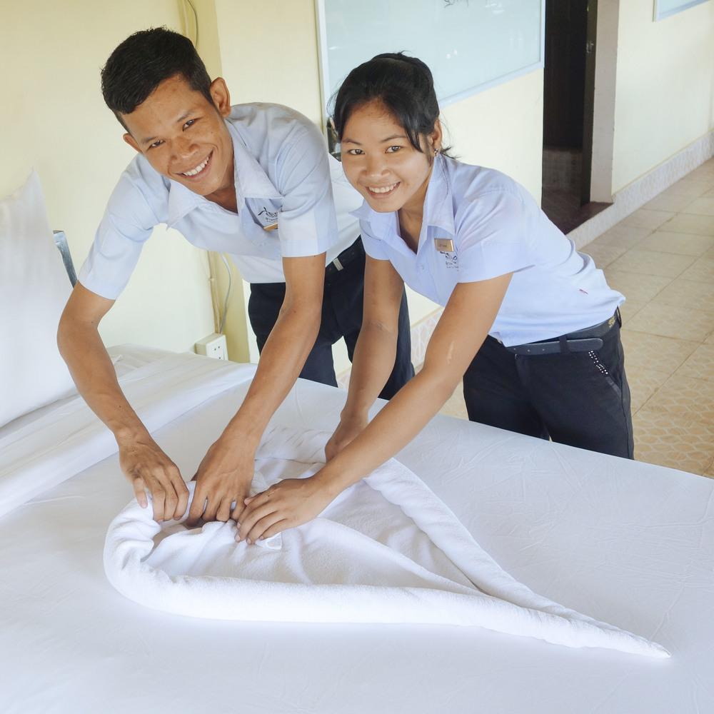 hospitality-skills1.jpg