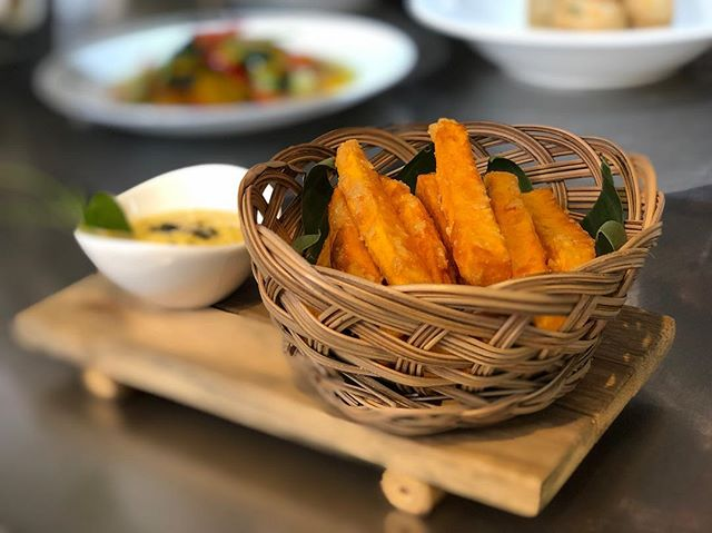 Tired of your usual fries? Visit us and try our sweet potato fries with mango sauce 😉  #egbok #goodeatingforagoodcause #spoonscambodia #spoonscafe #spoonssiemreap #spoonsegbokcafe #siemreapeats #localeats #foddie #foodstagram #instafood #instafoodie #supportlocal #finedining #eatingasia #tripstosiemreap #travelasia #discoverlocal #exploresiemreap #cambodiacusine #khmercuisine #localfood #cambodia #travelenjoyrespect #iystd2017