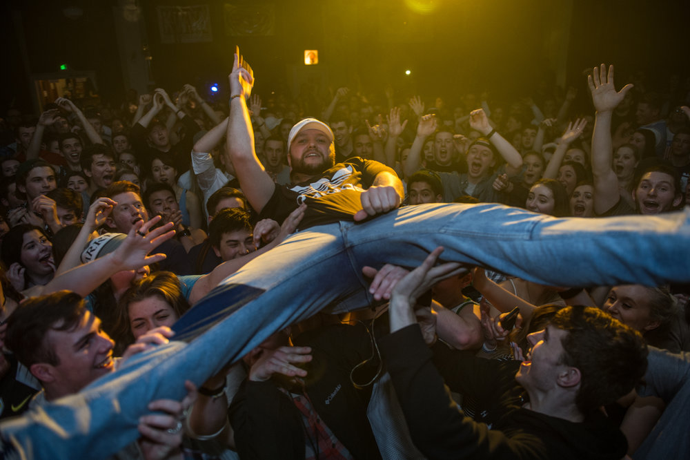 Crowd surfing in Oregon, 2017