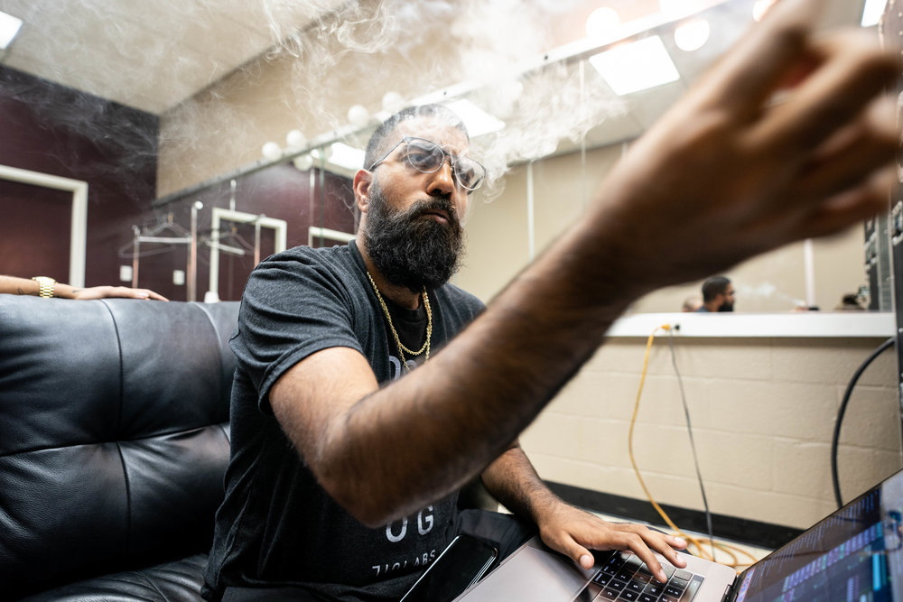 6ix smoking and working backstage, 2018