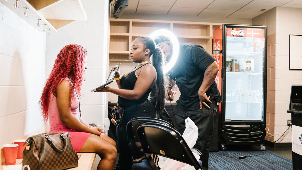 Malani getting the pre show glam, 2018