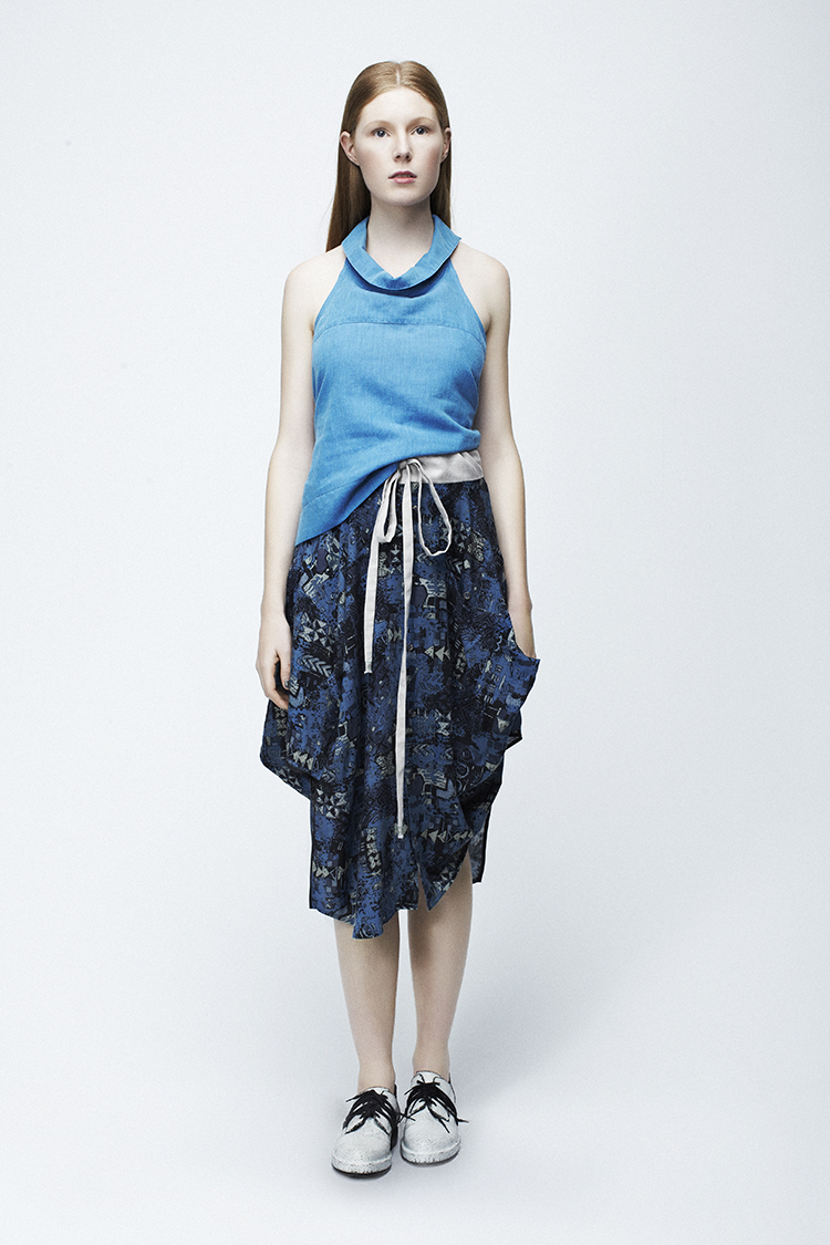 MüCKE shirtTOP and Pointy SKIRT.