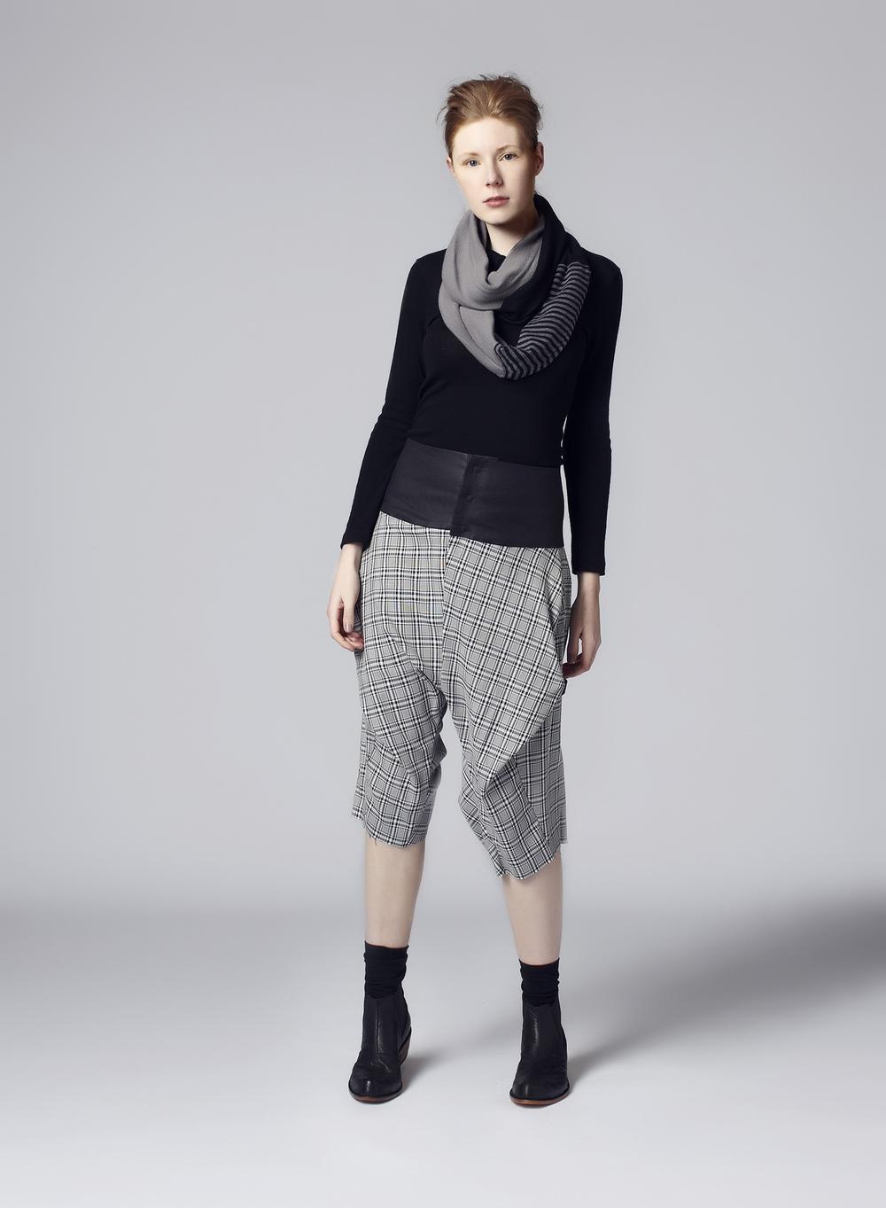Tube scarf and ShirtSHORTS, studio mücke