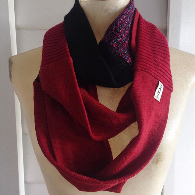 Moving house/ studio #jumperscarf 👆🏾SALE. $60 au comment SOLD below, or visit our shop- link in profile #sustainableliving #reclaimed #recycled #madewithlove #madeinmelbourne #handmade #etsy #red #eco #sale