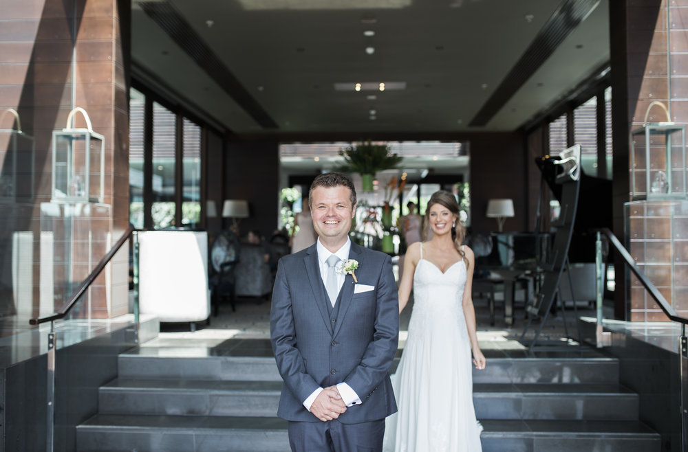 First look wedding photo at Sofitel Auckland wedding