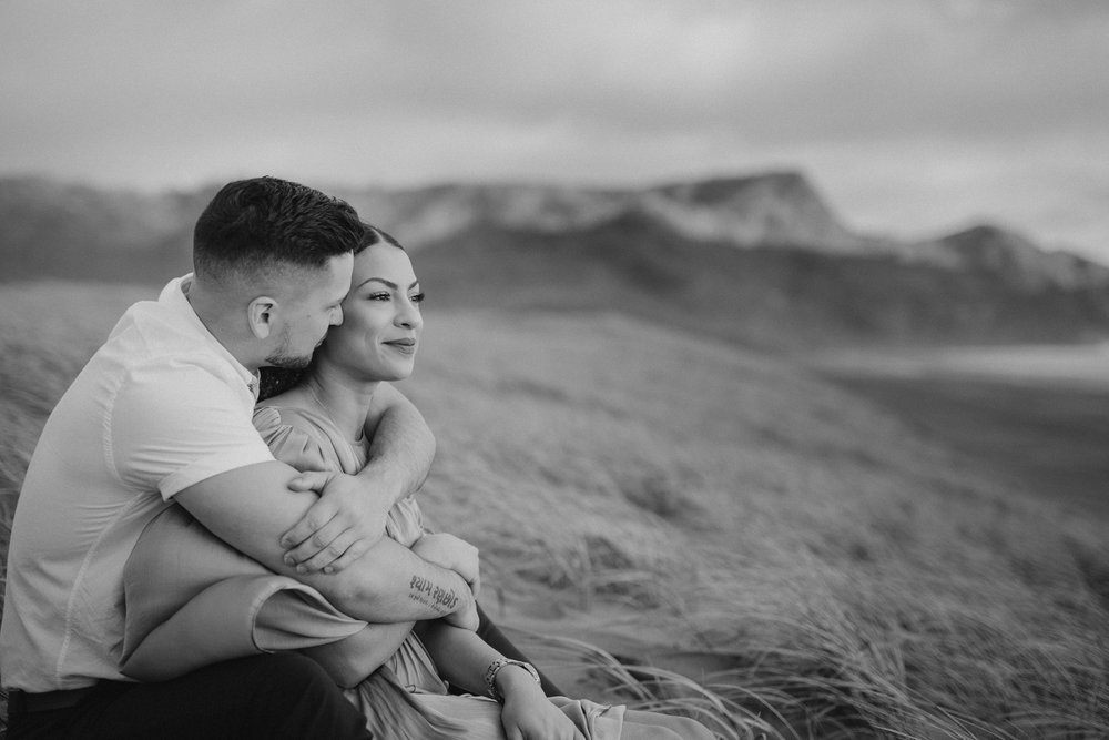 Bethells Beach engagement photo Auckland