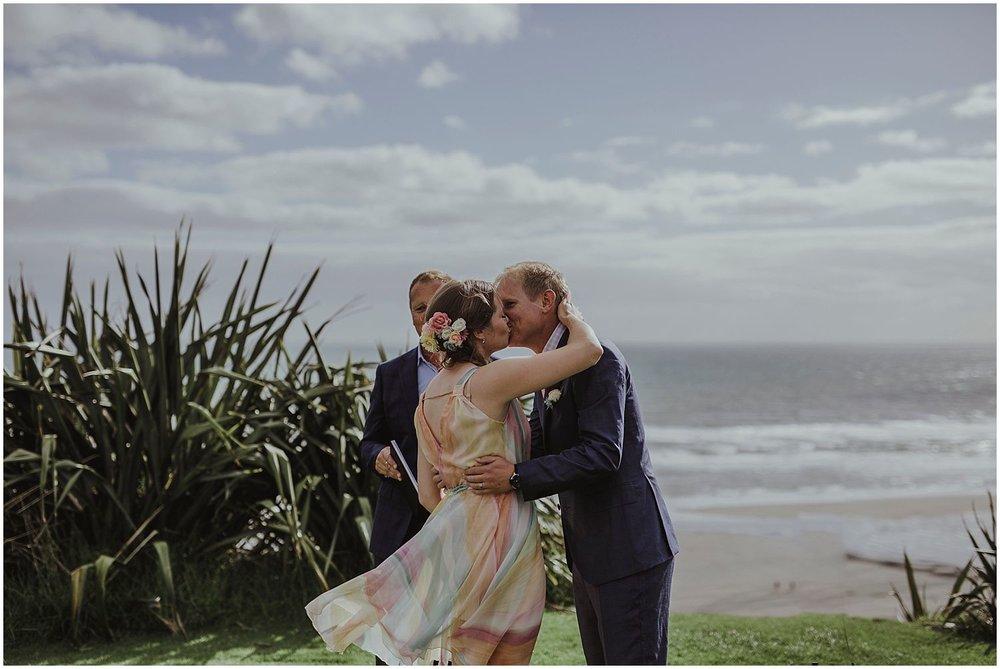 Castaways Resort Auckland wedding LN_0012.jpg
