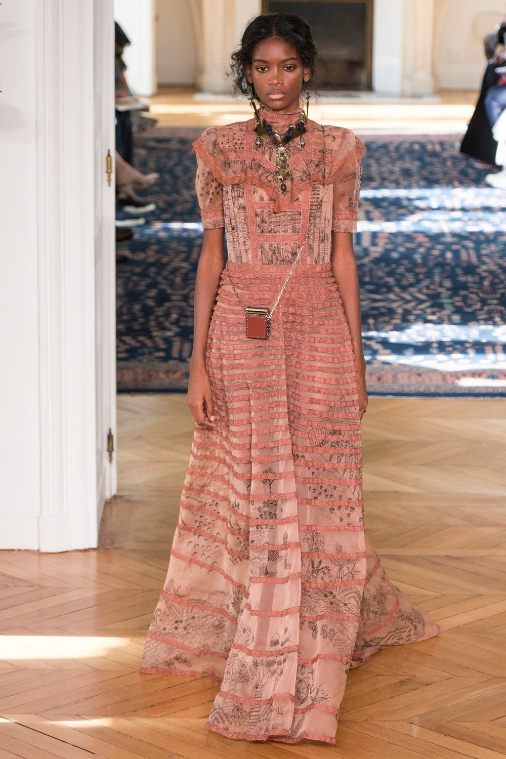 Valentino /photo via Vogue