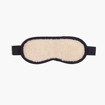 Madewell Sherpa Shut-Eye Sleep Mask - If you know someone who's always complaining about their lack of sleep (me lol), this is the gift for them. While there are lots of factors that go into bad sleep patterns, sometimes all someone needs is an extra dark and peaceful environment to lull them into a solid 6 to 8 hours of sleep. This will also be a cute accessory to the cozy pajamas that people oftentimes get during the holidays.