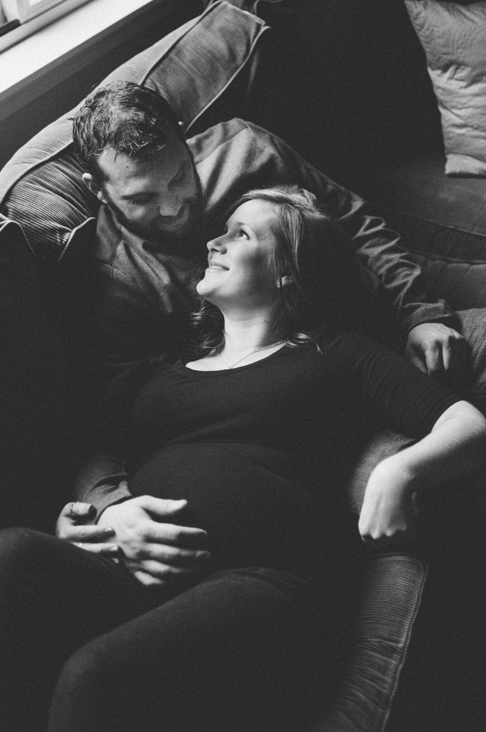 home-maternity-pnw-photos