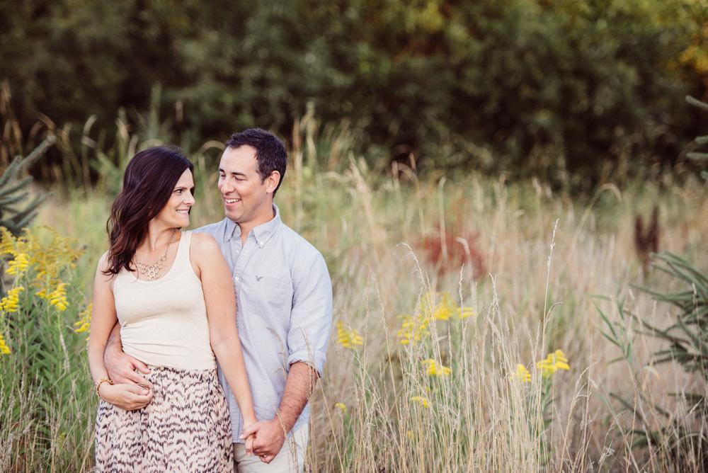 stylish-chic-seattle-wedding-photographer-olympia-wetlands-engagement