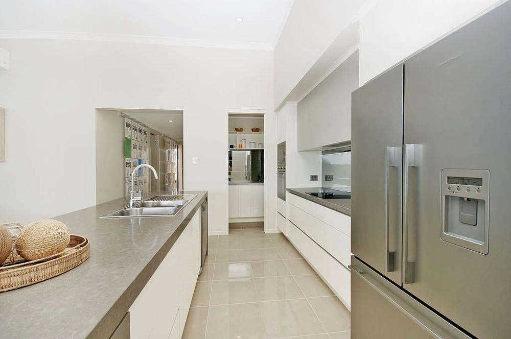 Vista_Homes_Kitchen_Caesarstone_Shining_Armor__2__jpg.jpg