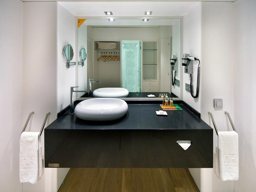 Negro-tebas-kitchen-900.jpg