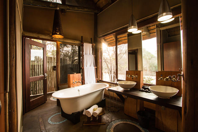 rhino_post_safari_lodge_-_70-_photo_credit_guy_upfold.jpg