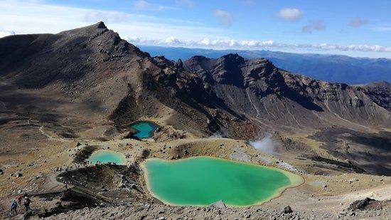 emerald-lakes-tongariro.jpg