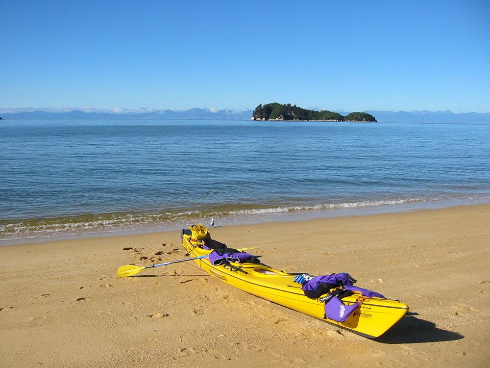 Abel_tasman_sea_kayaking.jpg