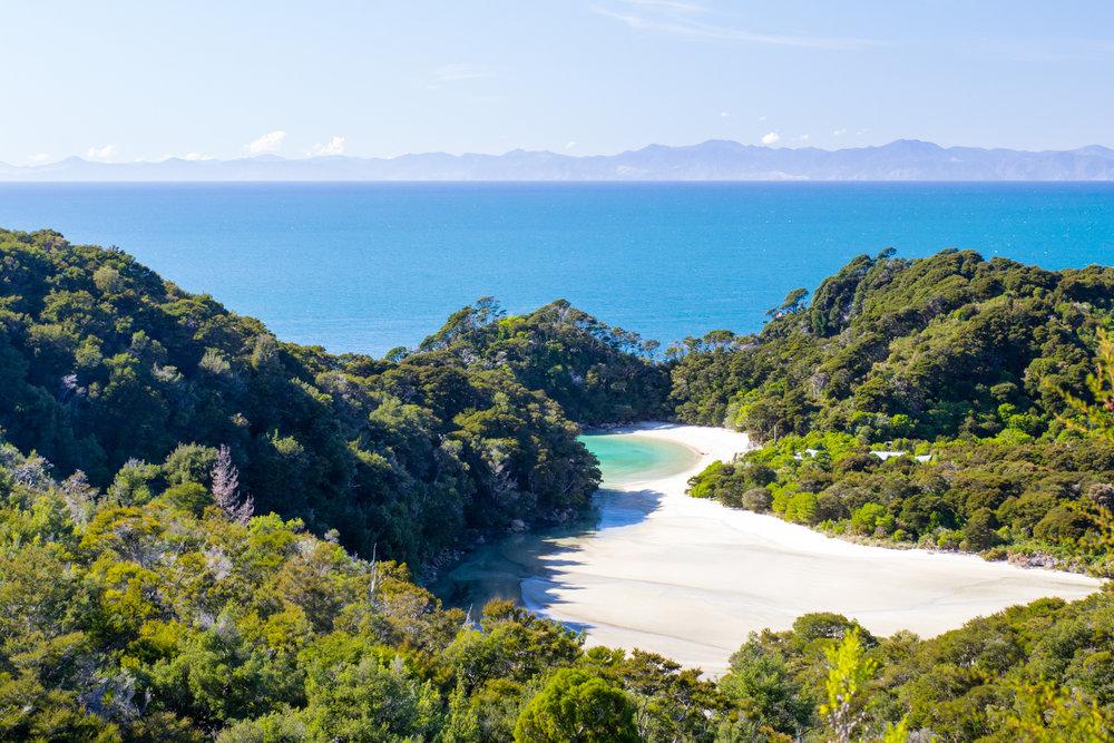NZ310315_Abel_Tasman_Frenchman_Bay_02.jpg
