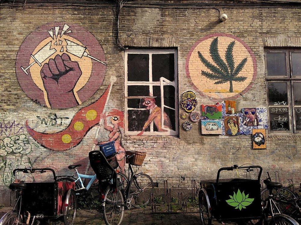 copenhagen Mural_in_Christiania_against_hard_drugs.jpg