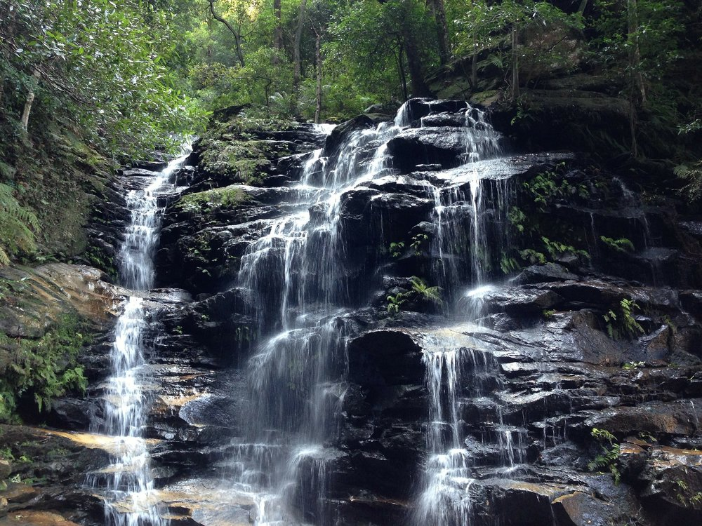 waterfall-328981_1920.jpg