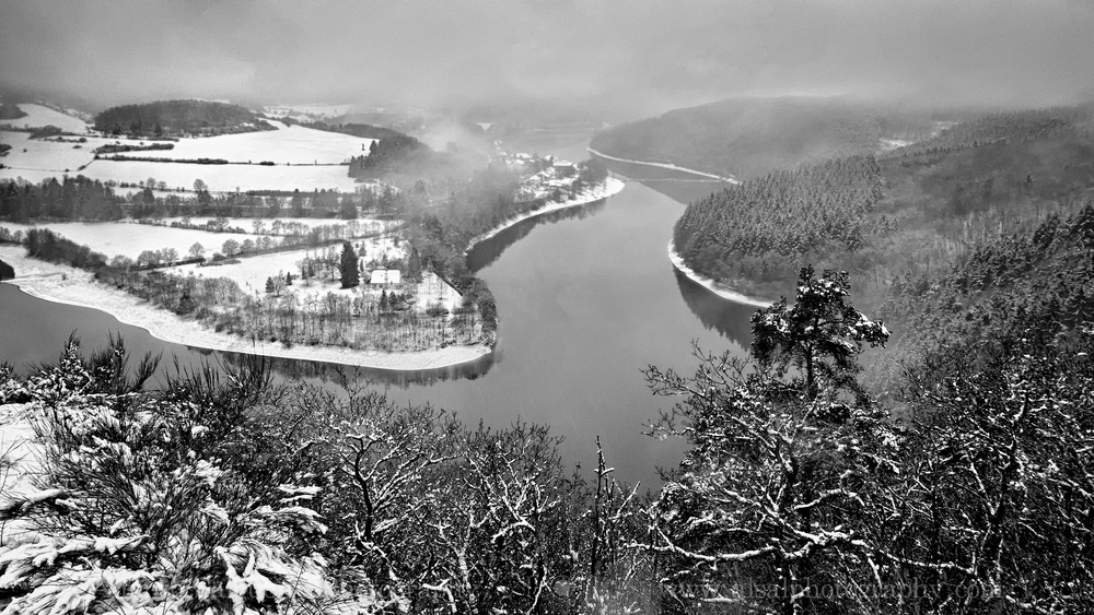 Snow fall over upper-Sure lake.jpg