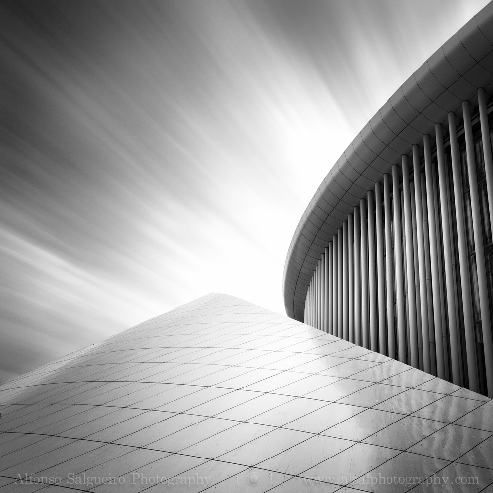 Philharmonie long exposure B&W-6.jpg