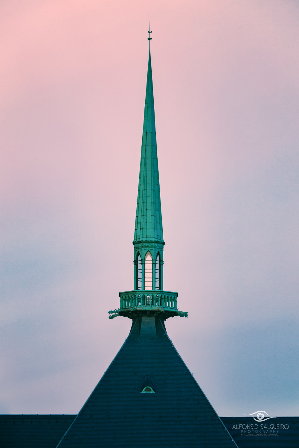 Notre Damme cathdral spire.jpg