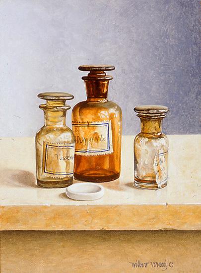 Flesjes met kleine porceleinen mengtegel | Bottles with little porcelain tinting tile