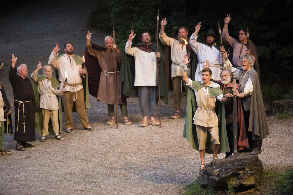 R�tlischwur bei den Tellspiele in Interlaken waehrend der Premiere am 28. Juni 2015.