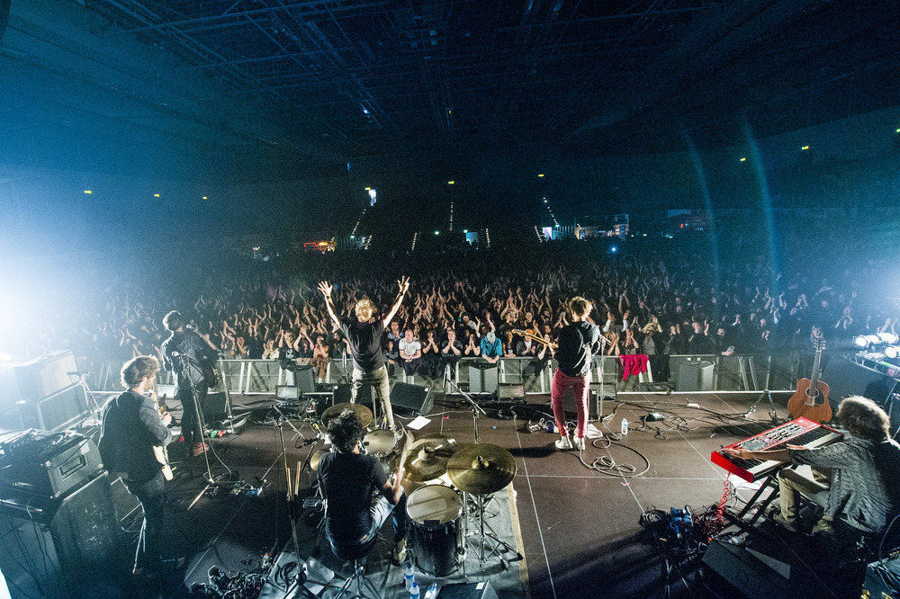 Undiscovered Soul aus Steffisburg als Supportact von Lenny Kravitz in der Sporthalle in Hamburg am 22. Juni 2015.