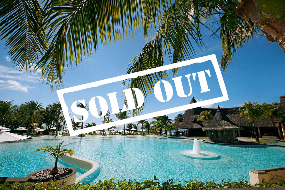 JUNIOR SUITE WITH POOL VIEW - SOLD OUT!    TWO GUESTS PER SUITE   60 Square Metre with King Bed. A Luxury Suite with direct view of the beautiful pool. This suite caters for two guests.   To reserve your suite today please enquire below.