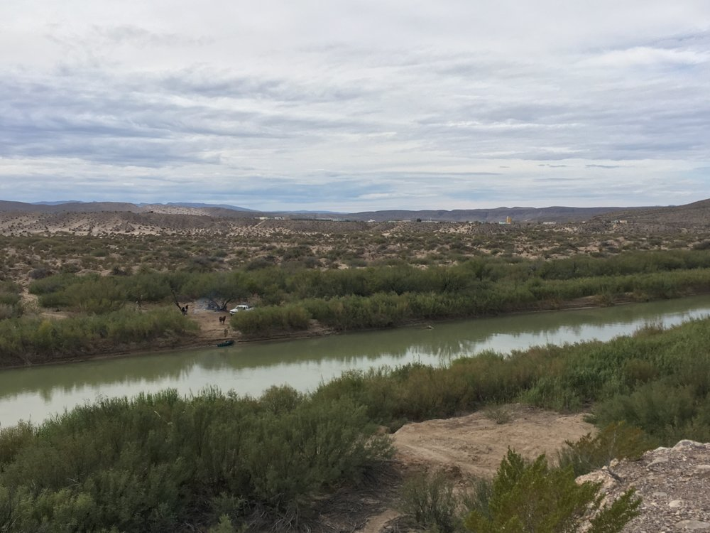East of El Paso: the Rio Grande divides Mexico on the far side from the U.S. in the foreground.