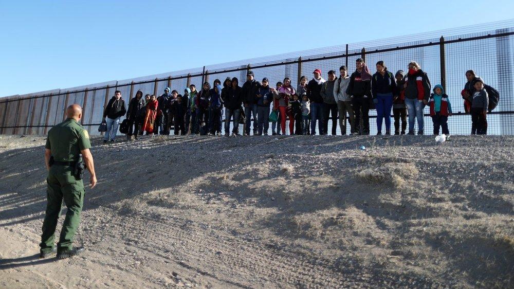 2019-03-09 - El Paso fence.png