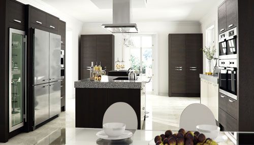 Tavola Oak stained black brown ferrara with ultra high gloss latte