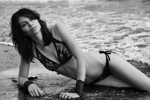 ASS_Shooting_Bikinis_Hua_Hin_Beach_01.jpg