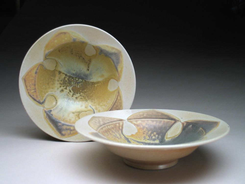 Gulden_rimmed bowls.jpg