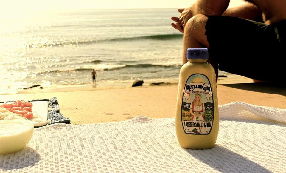 MustardGirl_Fans_Beach.jpg