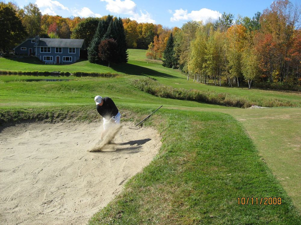 Mark Grenert blasting out of bunker on 1.JPG