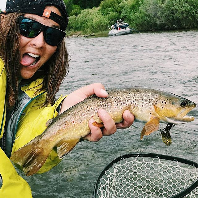 Here's a fish I caught. 🚣🏽‍♀️ @hendryxholly #floattrip #ladykapaa #flyfishing #salmotrutta #streamerjunkie #streamereater #denverflyshop