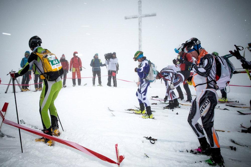 La scuadra Jenn Shelton/Daniele Irsara tratan la gara Lagorai Cima d'Asta