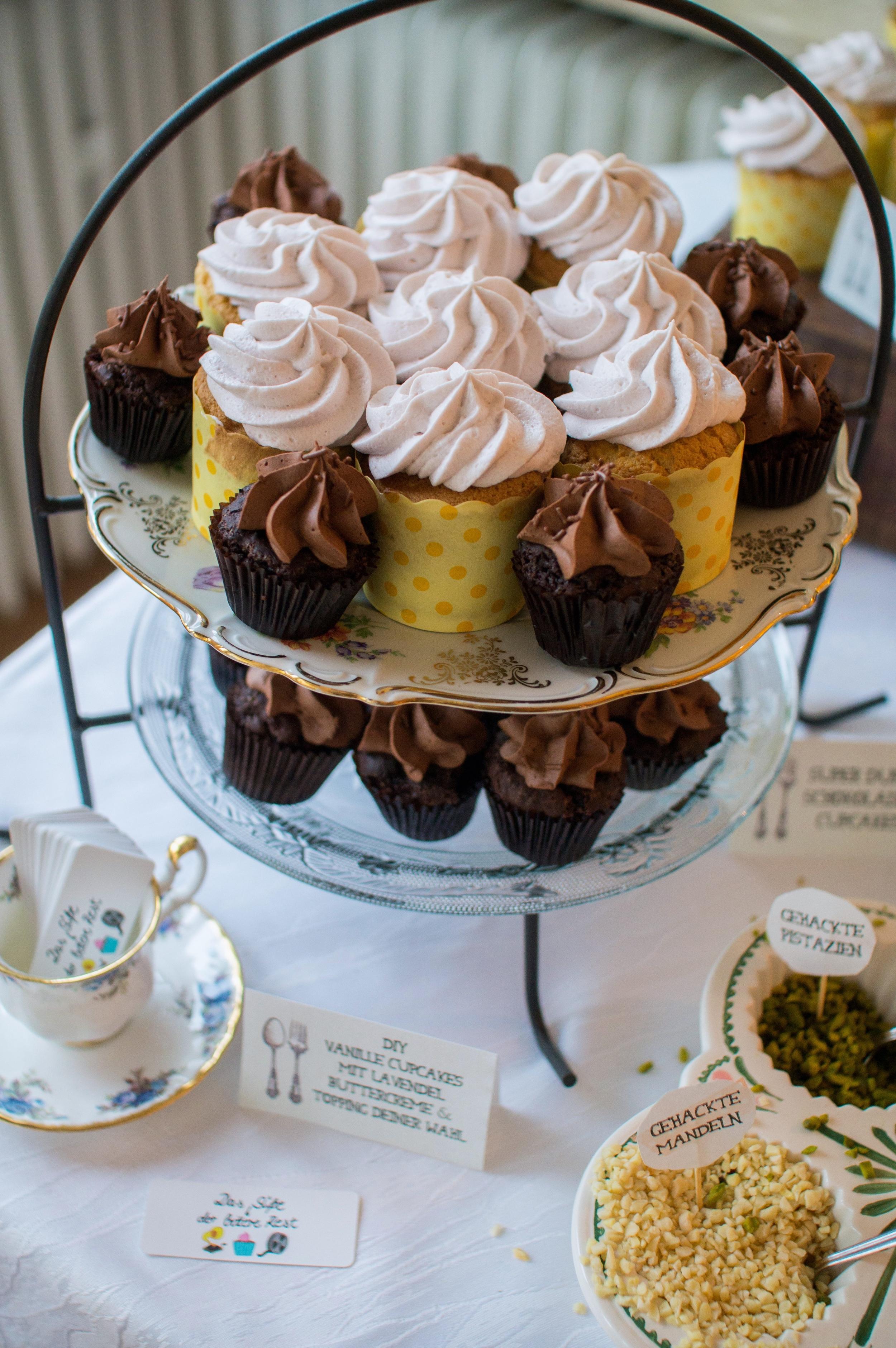 DIY Vanille & Schokoladen Cupcakes
