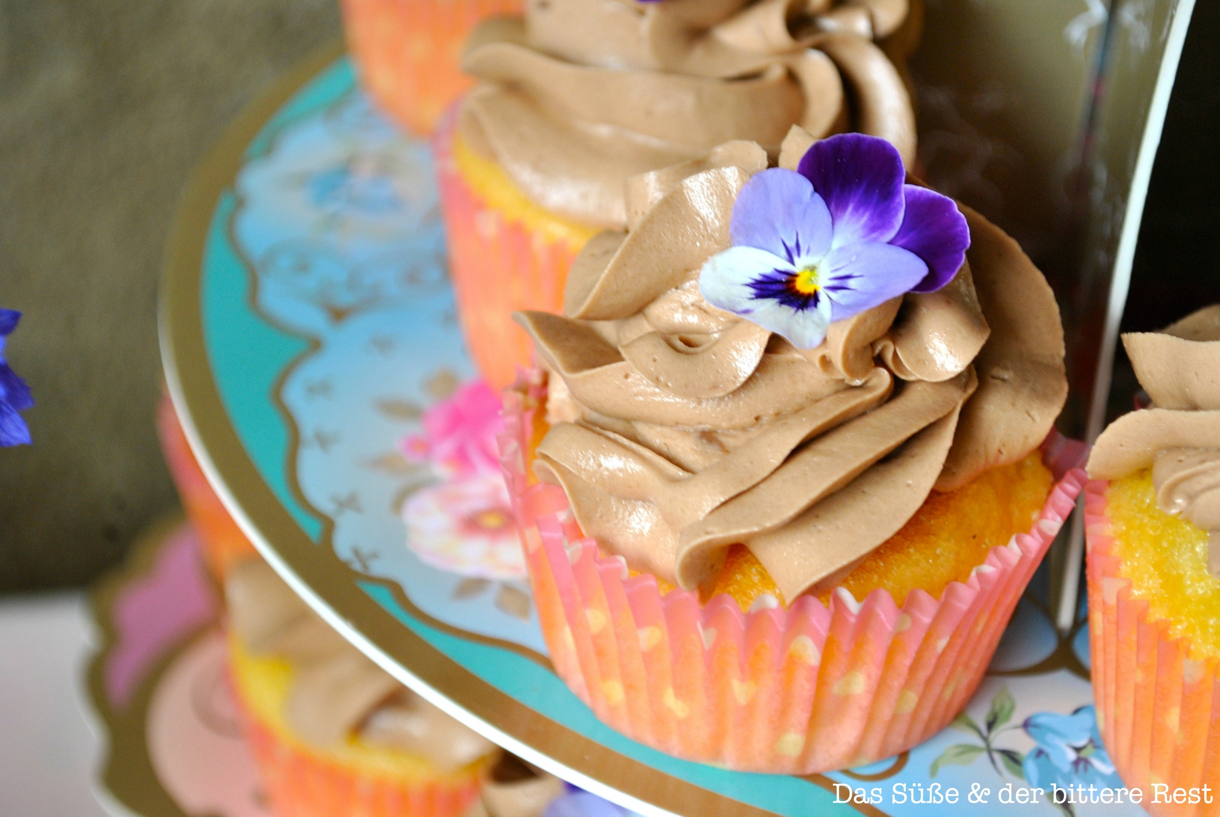 Real Flower Cupcake