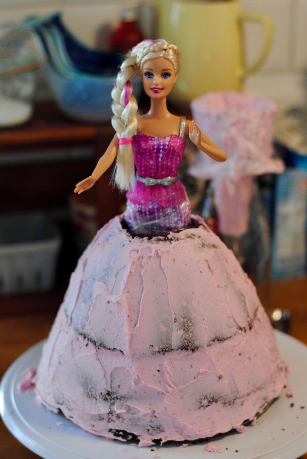 Barbie Geburtstagsparty Mit Kleidtorte Das Susse Der Bittere Rest