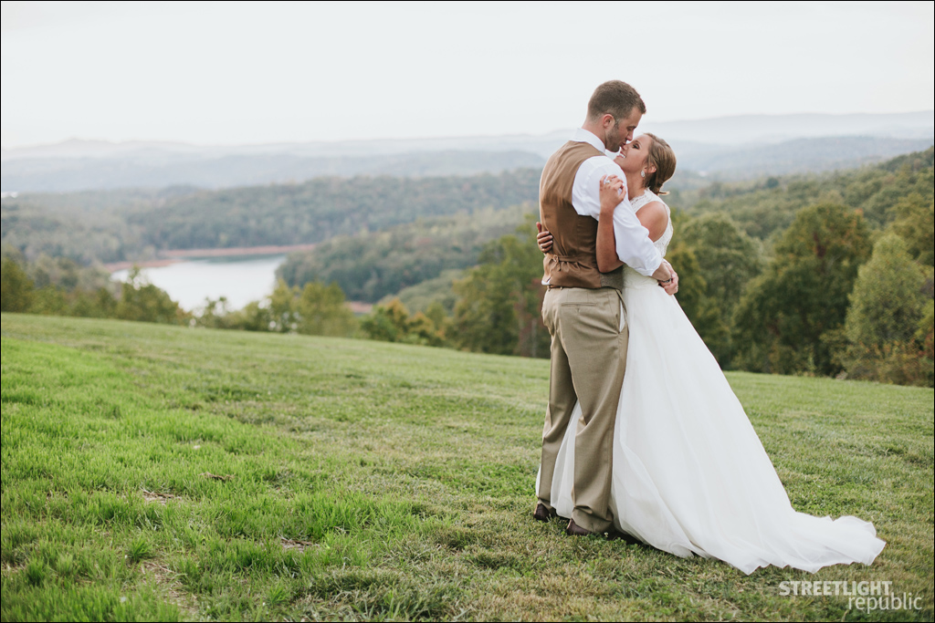 Knoxville Wedding Photographers | Mountain top wedding