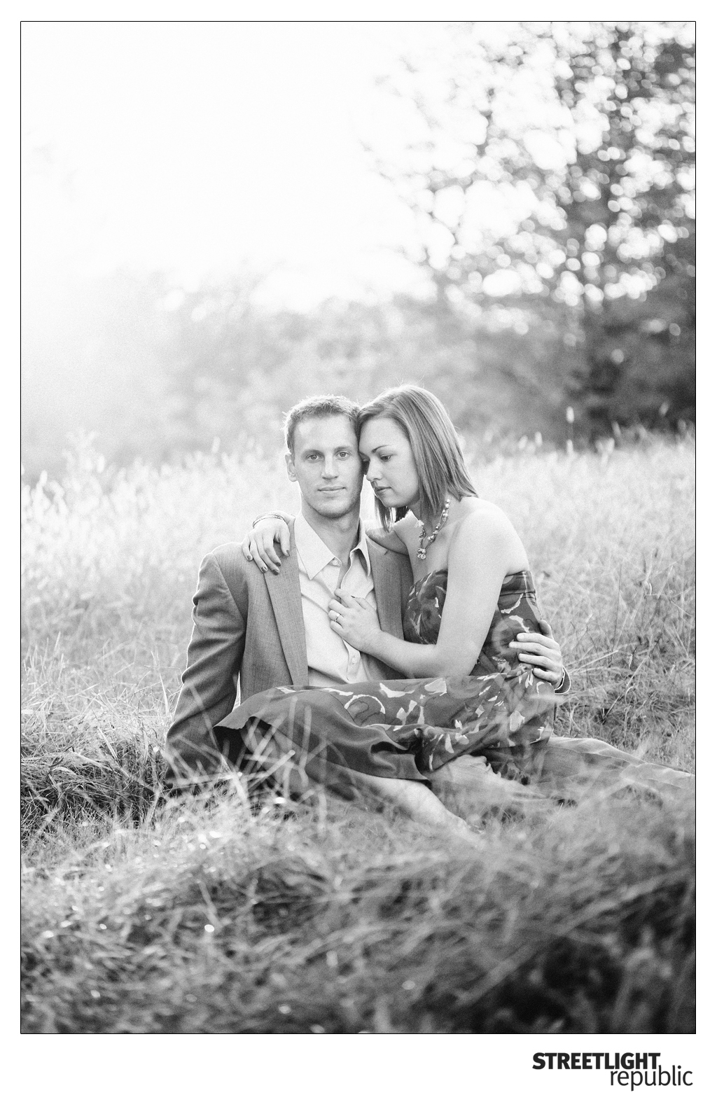 Nashville Wedding Photographers Streetlight Republic | Nashville Engagement Photos