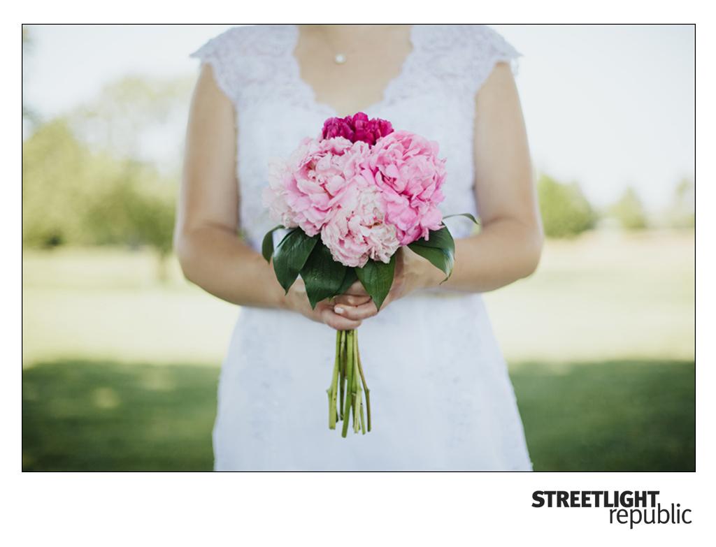 2013 wedding flowers peonies