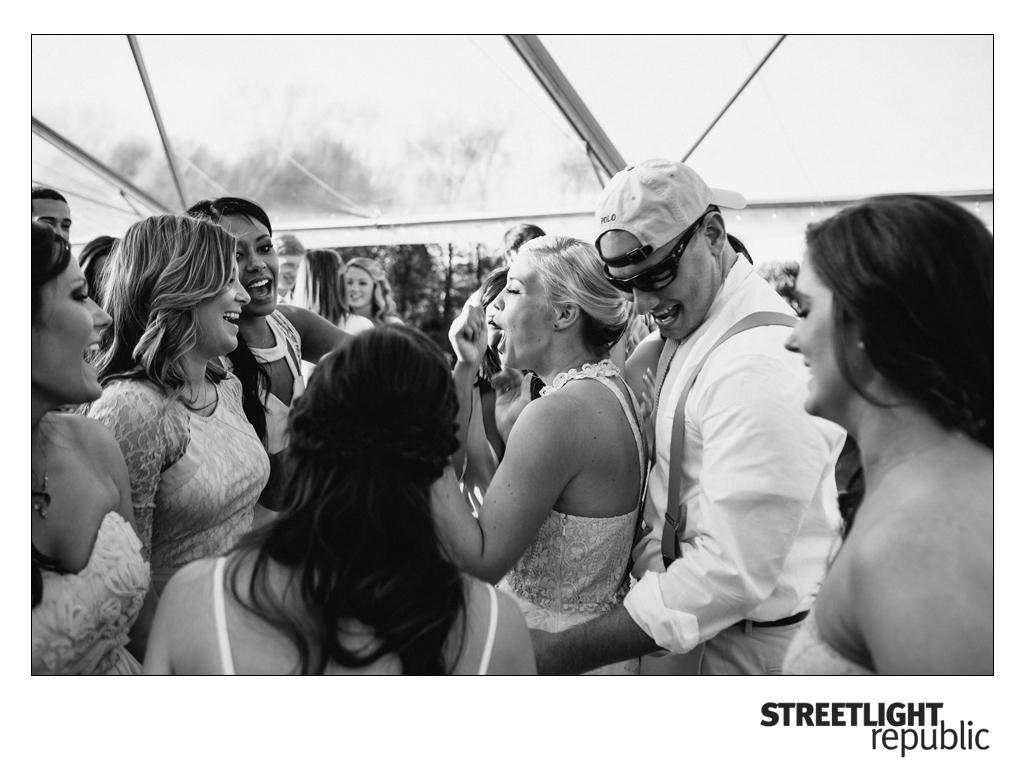 Knoxville Wedding Photographers Streetlight Republic | Clinton, TN Wedding