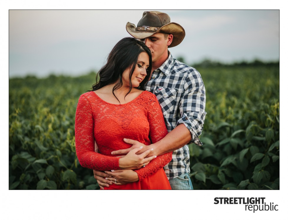 Country Engagement Photos, streetlight republic